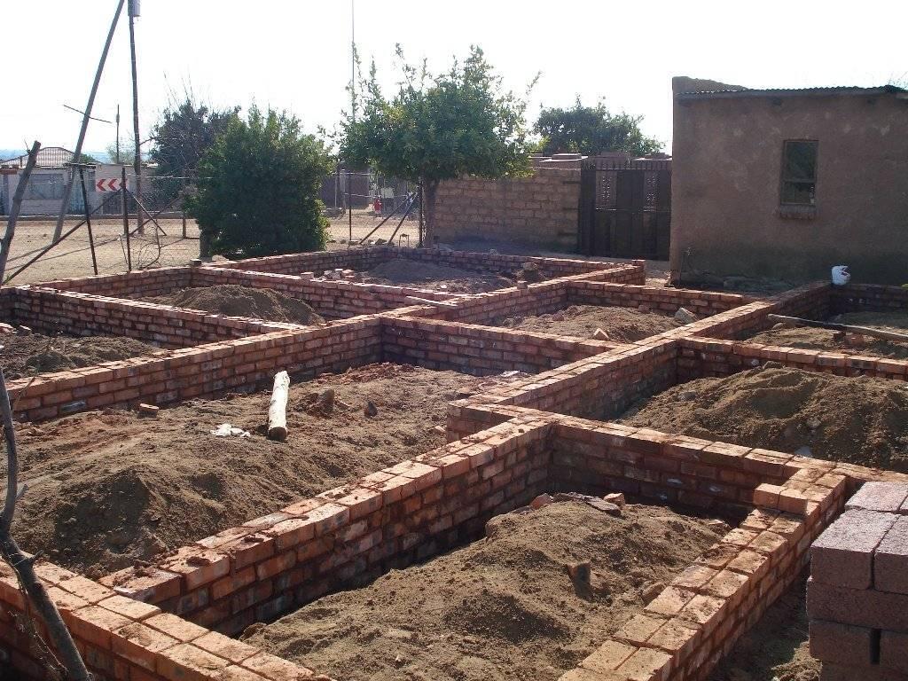 Как разбить старый фундамент из бетона своими руками