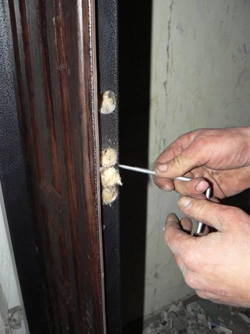 Установка металлической входной двери: как провести работы своими руками