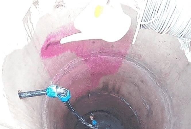 Вода в аквариуме пахнет: от чего воняет болотом и тухнет, чем это опасно для рыбок, что делать, чтобы избавиться от запаха?