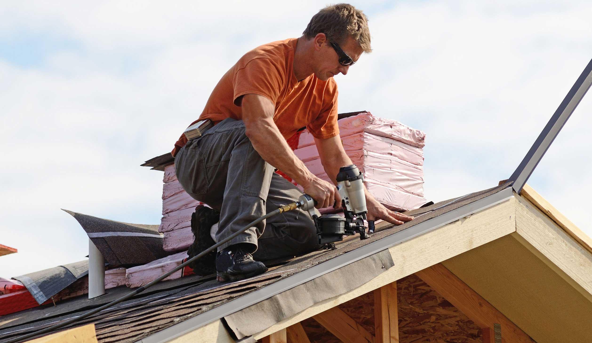 Чем покрыть крышу дома чтобы было качественно и недорого