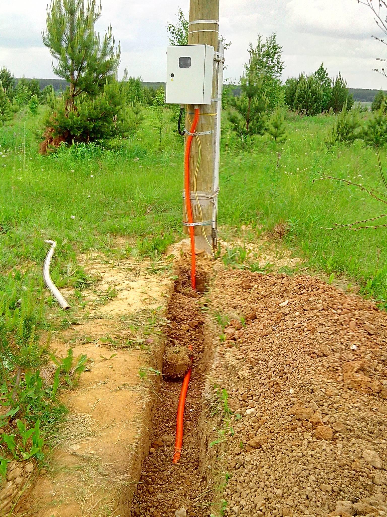 По воздуху или под землей: как подвести электричество к загородному дому?