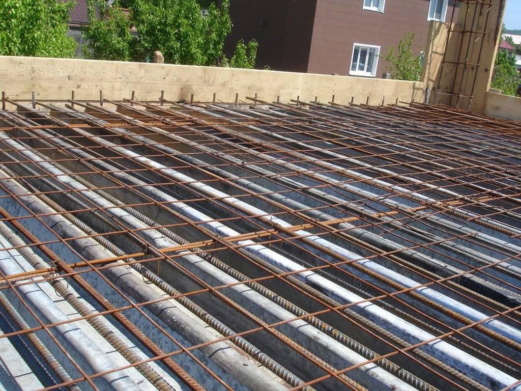 Перекрытие из профлиста и бетона