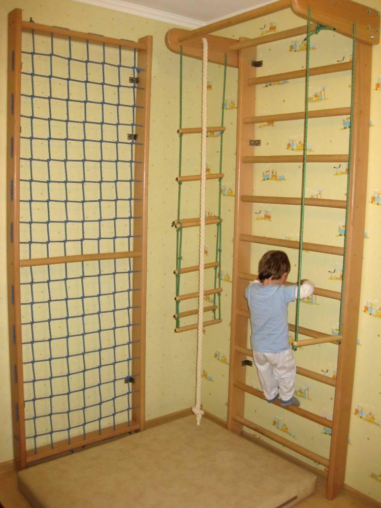 Делаем детский спортивный уголок для квартиры своими руками— варианты