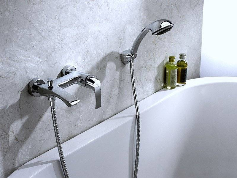 Как выбрать смеситель для ванной с душем — виды, характеристики + рейтинг производителей