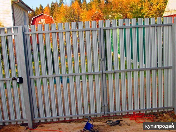 Строим надежный забор из евроштакетника своими руками - пошаговая инструкция