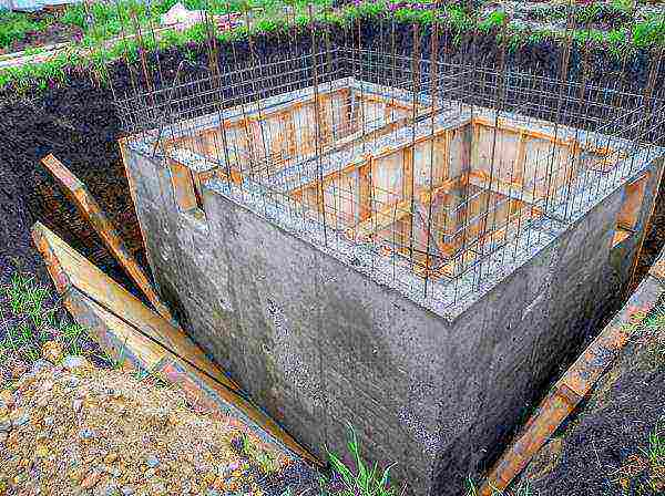 Уход за бетоном после заливки: основные правила