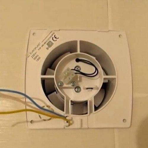 Как сделать и установить бытовую вытяжку в туалет с вентилятором