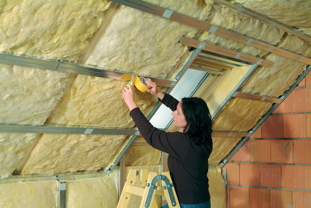 Как правильно утеплить крышу дома: обзор технологий утепления кровли