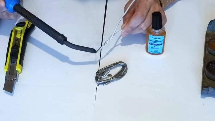 Как правильно паять провода паяльником?