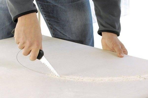 Чем и как можно разрезать гипсокартон: 5 способов