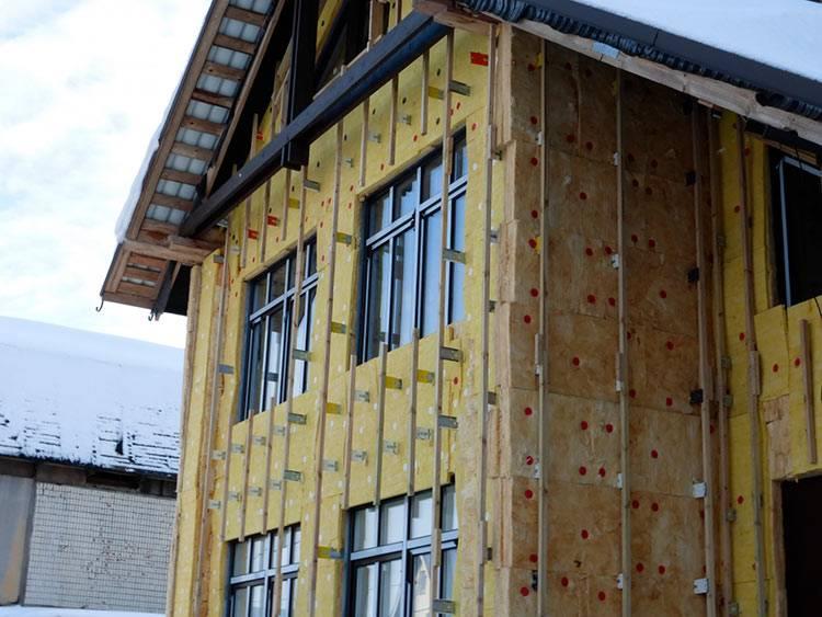 Как проводится утепление деревянного дома минватой снаружи под сайдинг?