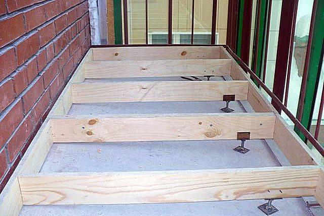 Как закрепить лаги на балконе и лоджии к бетонному полу, черновой пол