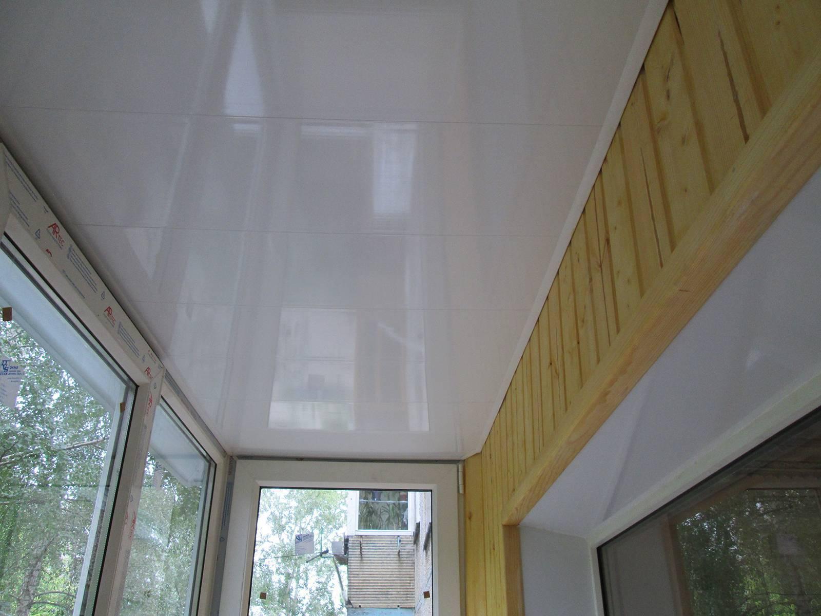 Потолок пвх своими руками: пошаговая инструкция, как сделать и укрепить каркас для крепления подвесных панелей, монтаж плит в ванной, на кухне и других помещениях