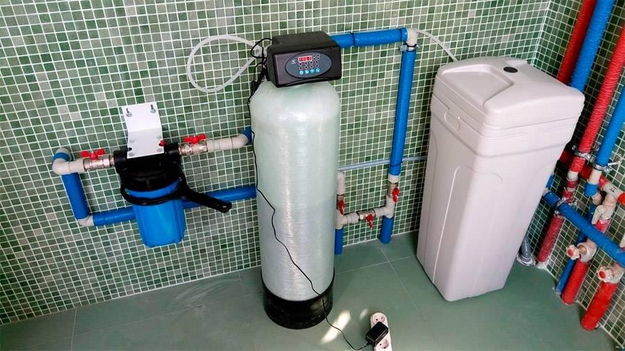 Фильтр для жесткой воды: изделие для смягчения и очистки жидкости от извести дома, конструкция для стиральной машины, умягчители