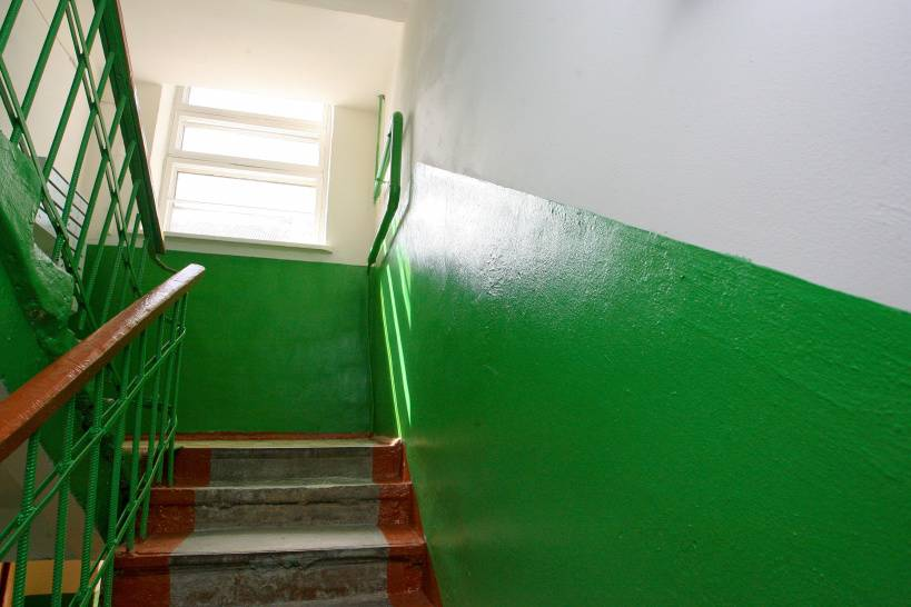 Почему в ссср подъезды красили в синий и зеленый цвета?