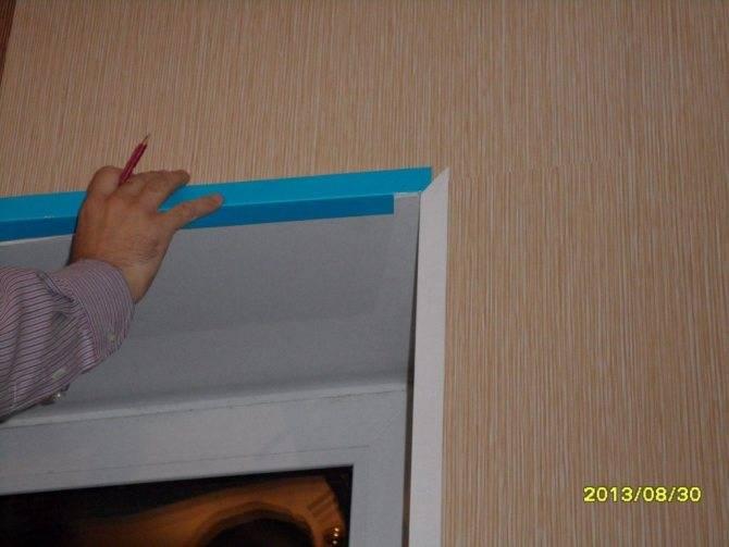 Декоративный пластиковый уголок для откосов окон: размеры, установка - как приклеить (видео)