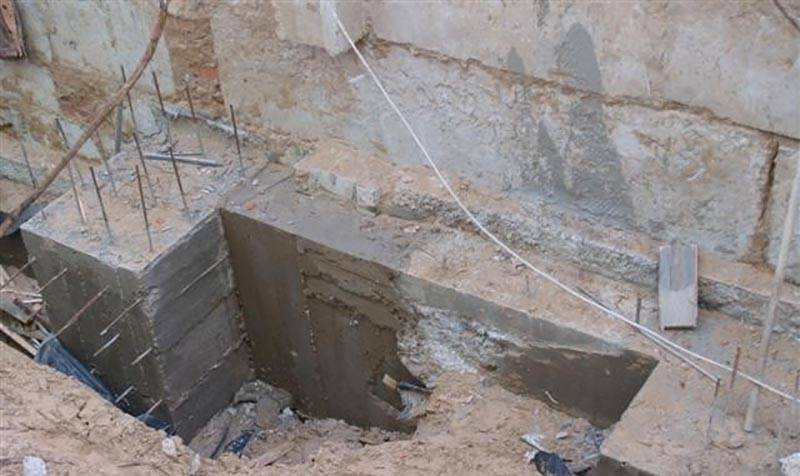 Упрочнение бетонного пола: технология использования сухих смесей и пропитывающих составов
