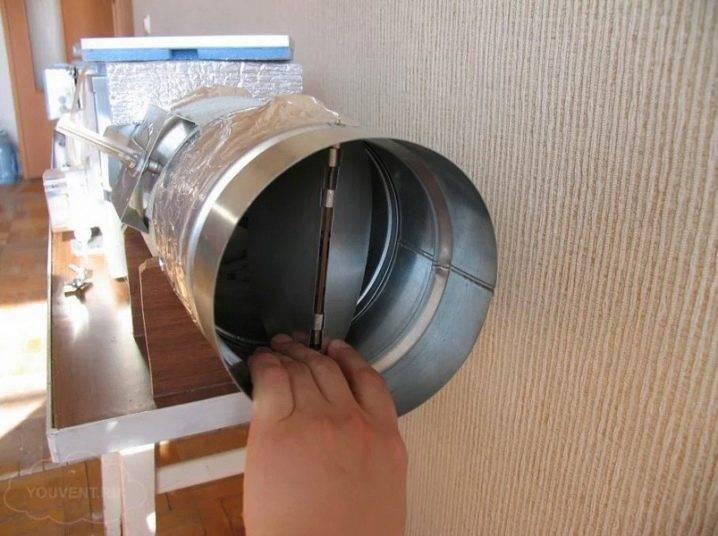Обратный клапан на кухонный вытяжной вентилятор своими руками