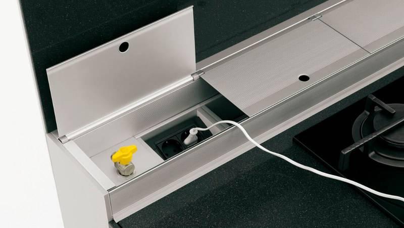 Скрытые розетки в столешнице: варианты исполнения и установки