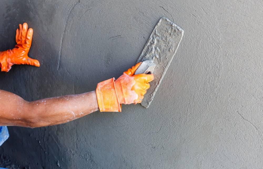 Подготовка стен под декоративную штукатурку в интерьере