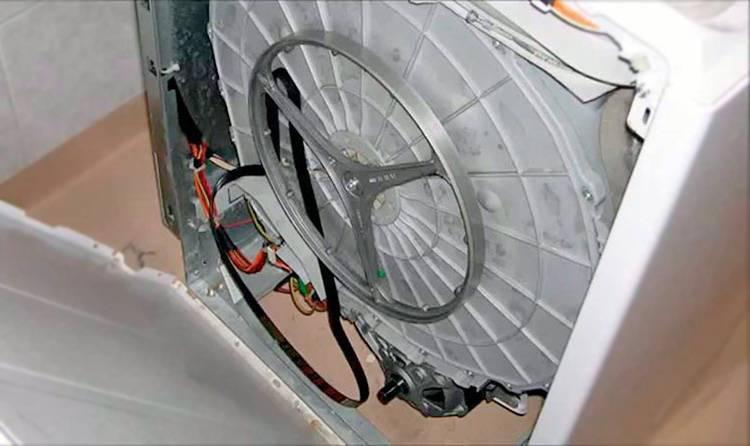 Почему не крутится барабан в стиральной машине и что делать?