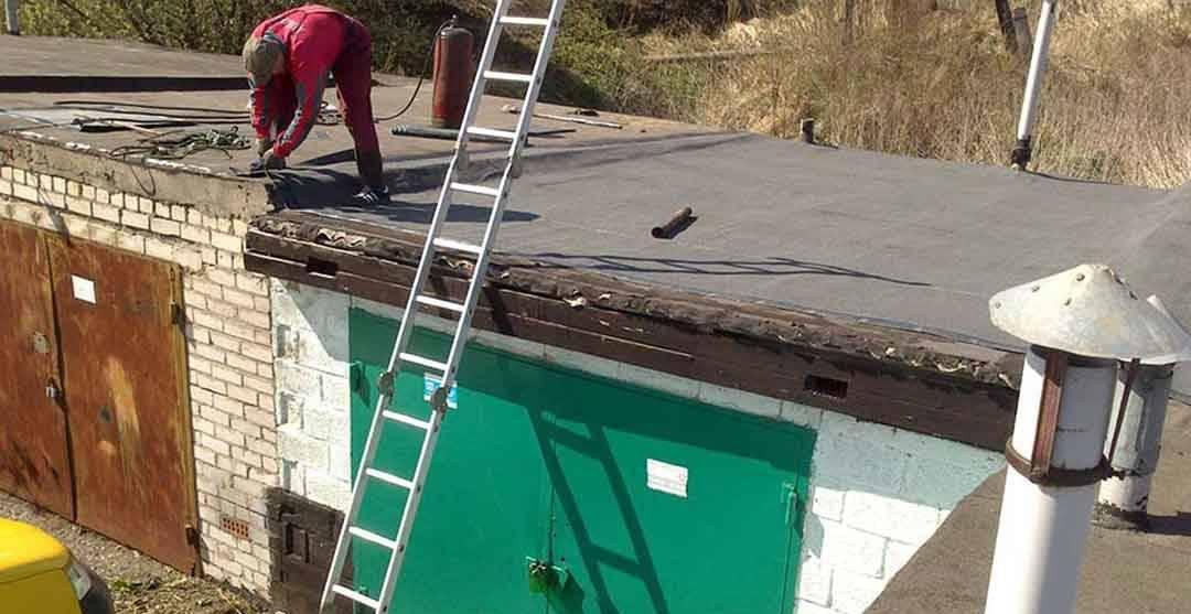 Как самостоятельно сделать односкатную крышу в гараже и в чём её особенности
