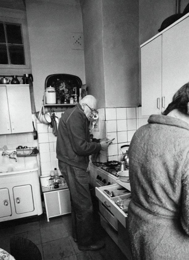 Зачем окно между туалетом и кухней: народные версии и разъяснение архитектора