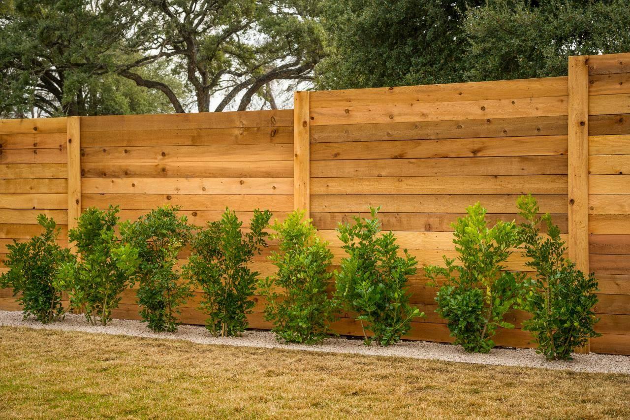 Красивый забор для частного дома: лучшие проекты (+50 фото)