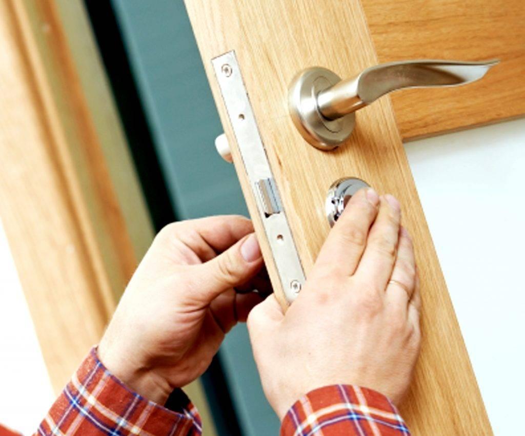 Можно ли поменять стекло в межкомнатной двери и как это сделать