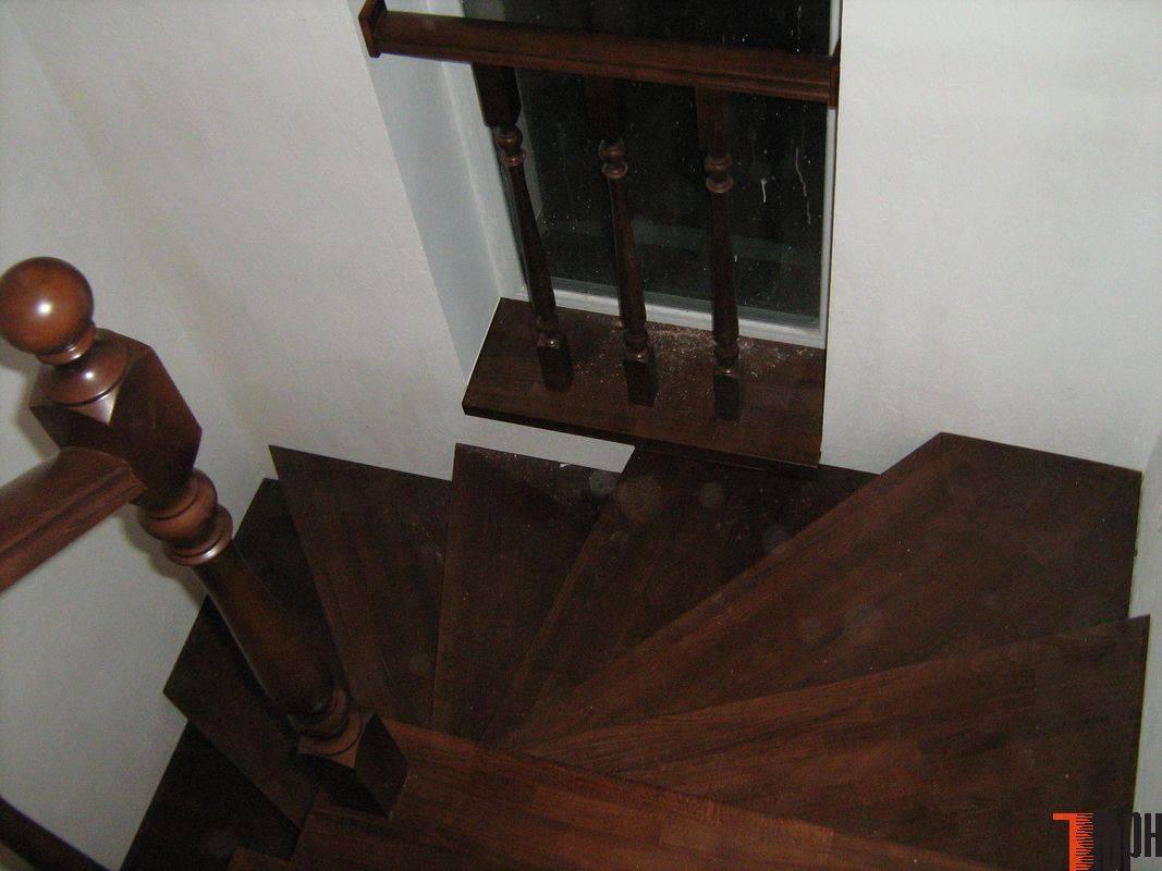 Как выполняется отделка металлической лестницы деревом
