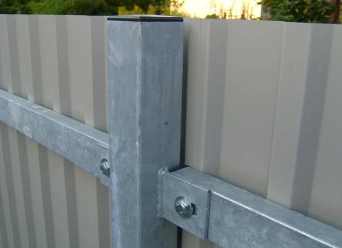 Крепление профильной трубы без сварки. как сделать забор из профнастила без применения сварки