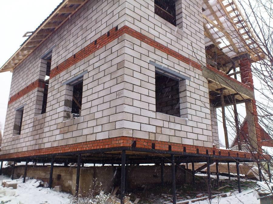 Строительство дома на фундаменте из винтовых свай: особенности, преимущества, недостатки, разновидности свай
