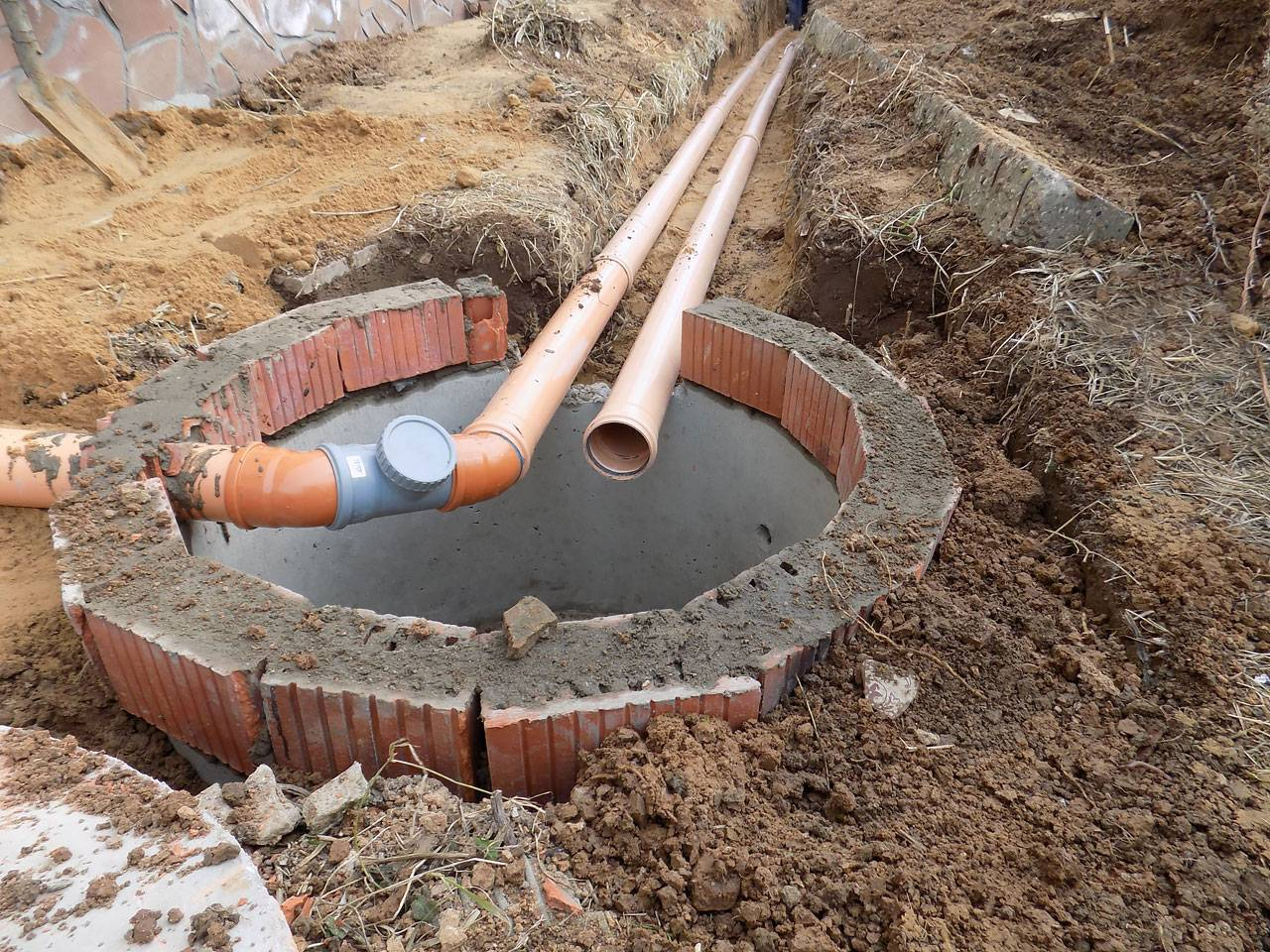 Колодец на участке своими руками из бетонных колец