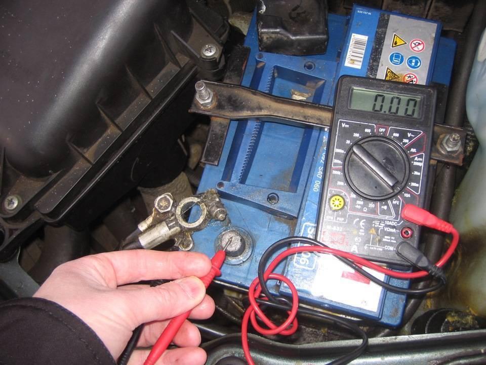 Почему сел аккумулятор на авто? ток утечки - причины, проверка, решение проблемы - семейный-автомобиль