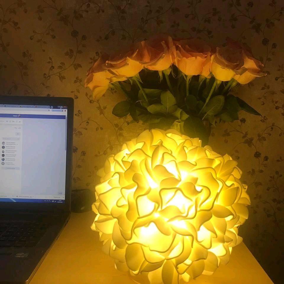 Настенные светильники из изолона (43 фото): делаем своими руками бра в виде розы и хризантемы на стену, мастер-класс