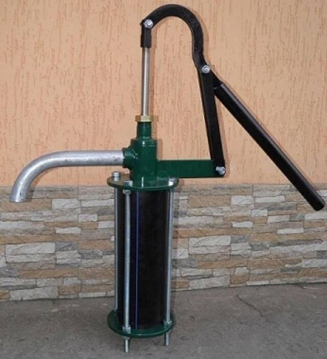 Как провести воду из колодца в дом: прокладка коммуникаций и организация системы подачи воды в дом из колодца