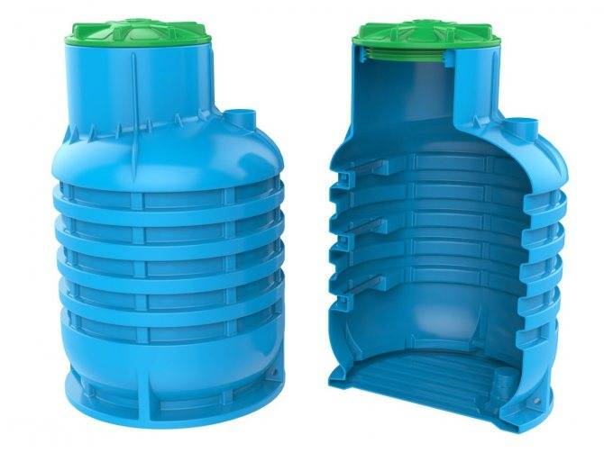Пластиковые емкости для воды: описание основных разновидностей + советы по выбору пластикового бака