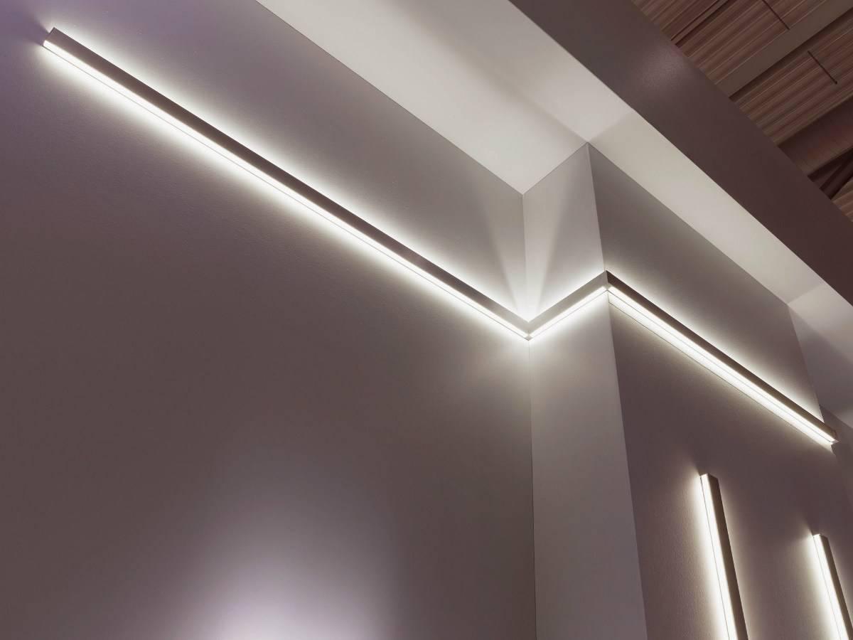 Светодиодные светильники (99 фото): потолочные led-модели с датчиком движения, особенности круглых и модульных ламп для дома
