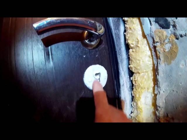 Почему потеет входная дверь