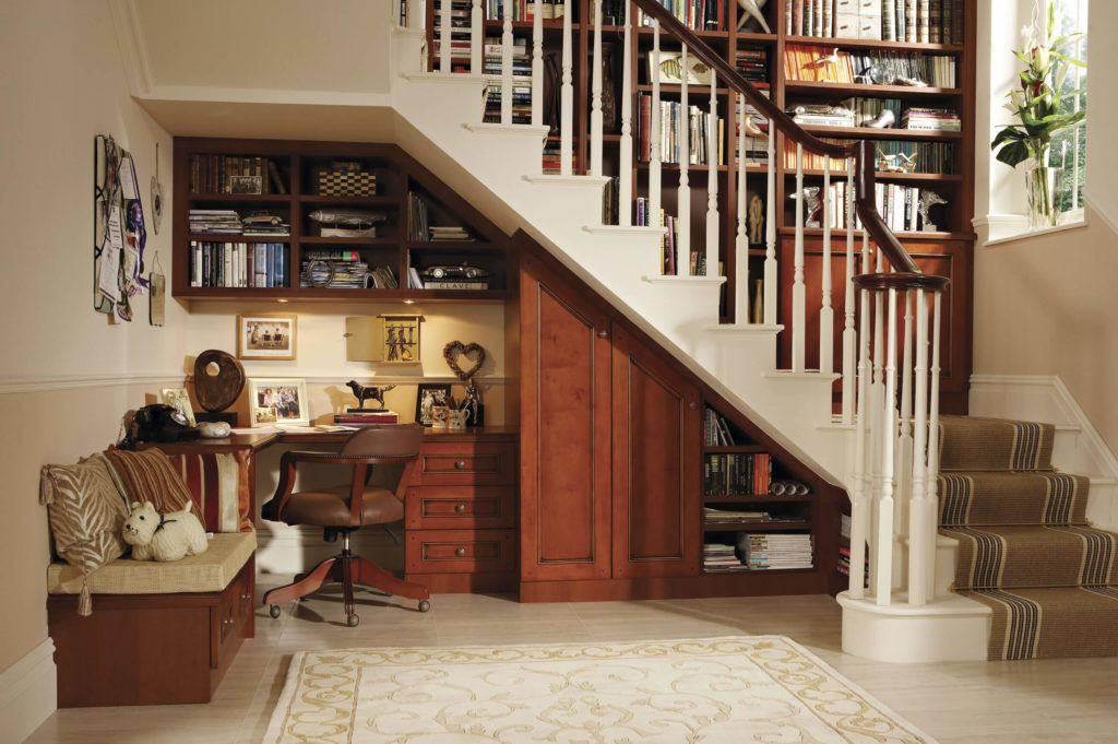 Как сделать полки под лестницей своими руками: идеи, дизайн, пошаговая инструкция + фото