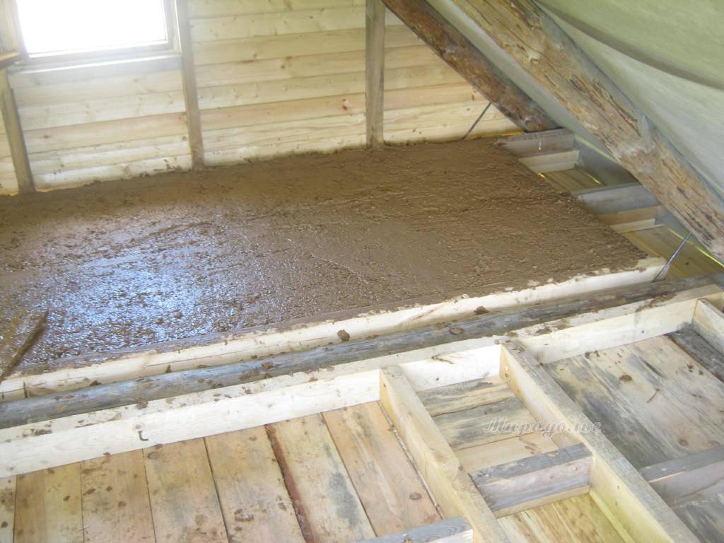 Утепление потолка в бане (82 фото) как и чем утеплить помещение с холодной крышей, выбор утеплителя