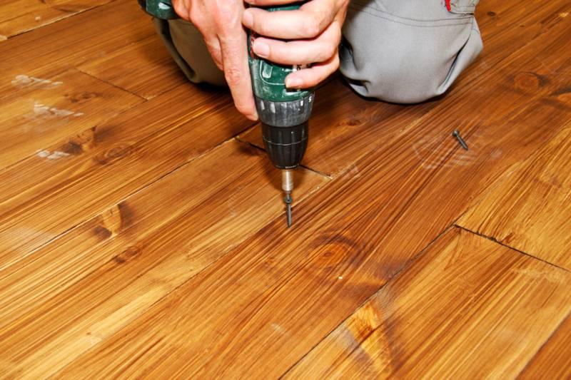 Способы выравнивания деревянного пола под укладку ламината