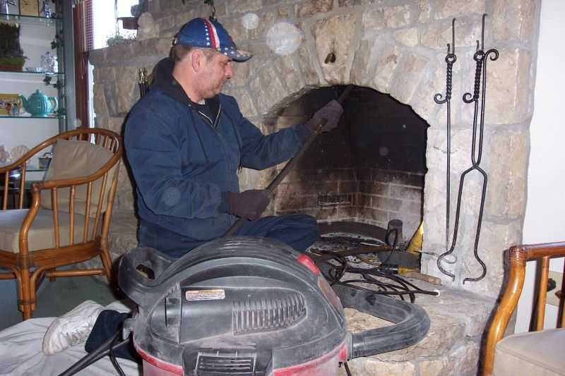 Средства для чистки дымоходов: чем почистить дымовой канал от сажи
