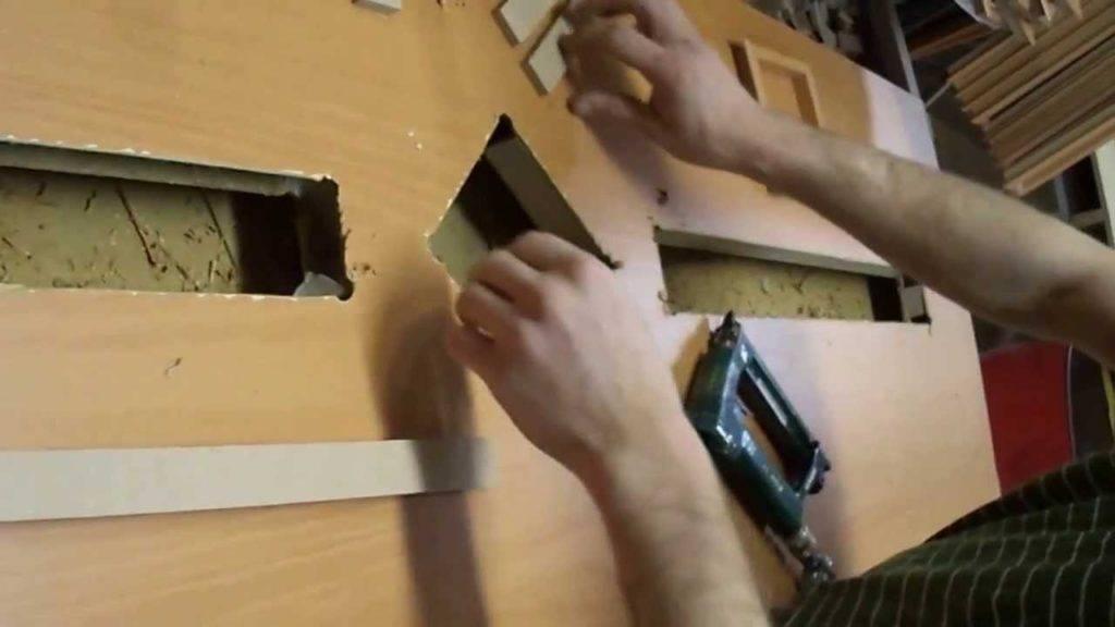 Как вставить стекла в межкомнатные двери различных моделей