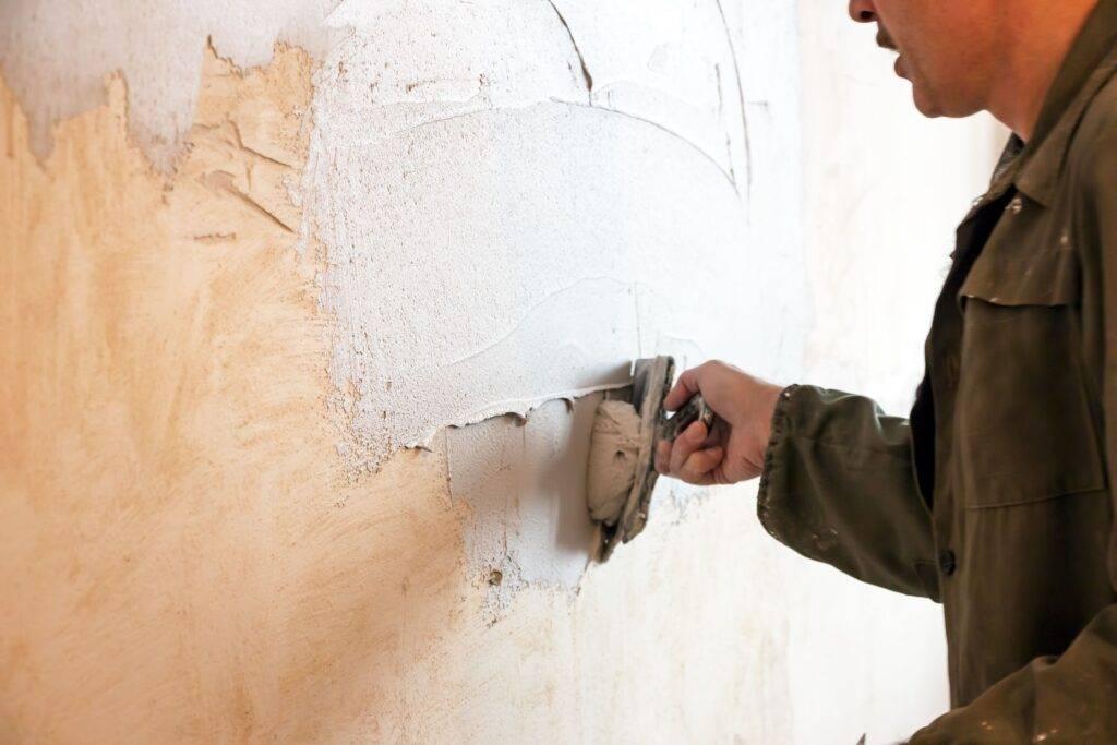 Как провести подготовку стен под декоративную штукатурку