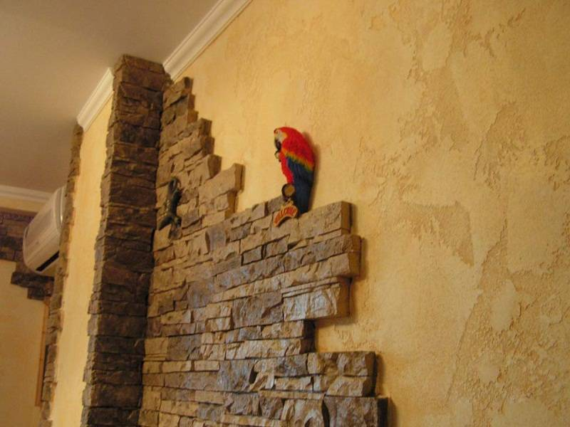 Декоративный камень в интерьере — лучшие фото варианты