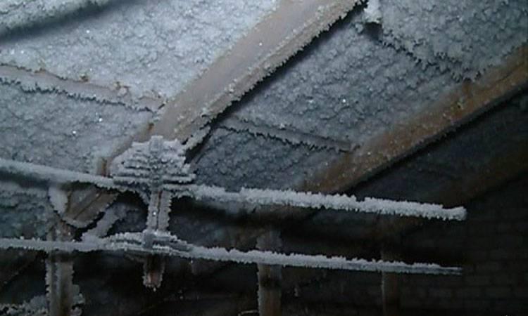 Можно ли вентиляцию вывести на холодный чердак