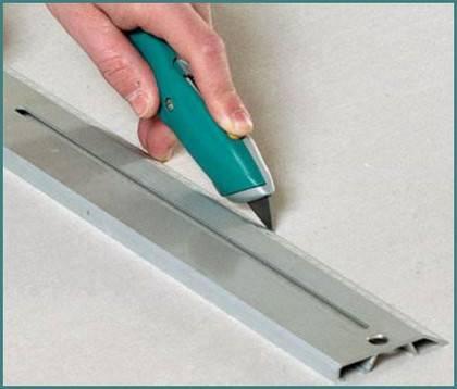 Как и чем резать гипсокартон в домашних условиях с наименьшими потерями