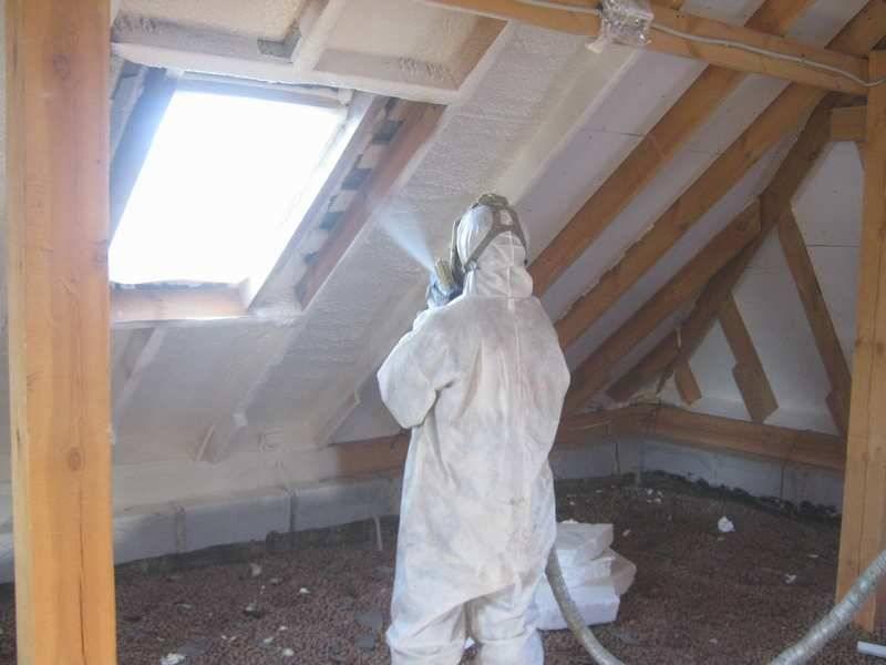 Грамотное утепление дома пенополиуретаном — особенности материала и технология выполнения работ