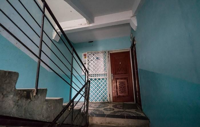 Почему в ссср подъезды красили в зеленый и синий: выясняем истинные причины - дом-строй